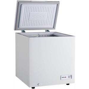 Chest freezer with generous internal capacity