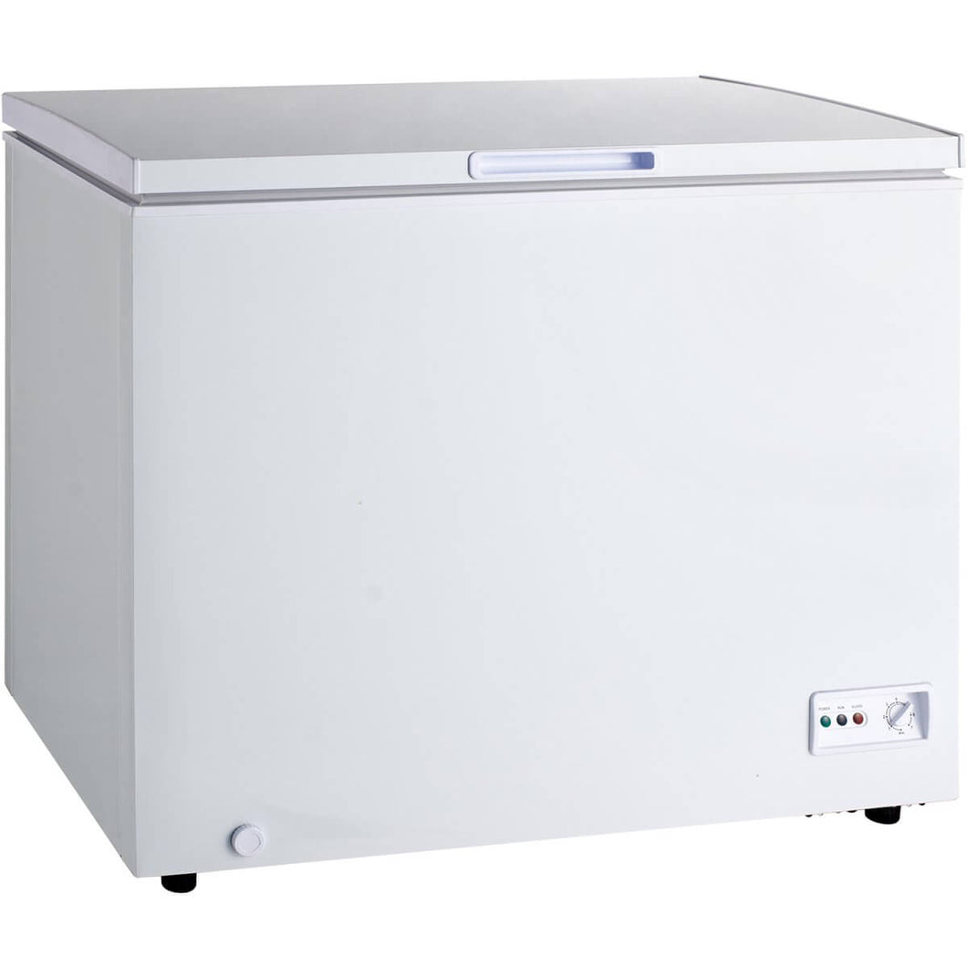 Chest freezer for home or restaurant use with 230 litre capacity