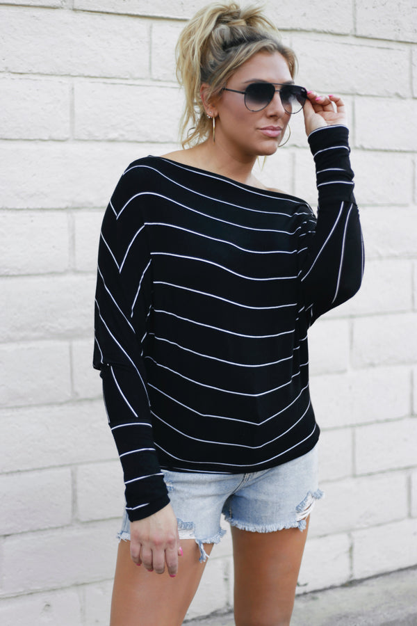 OFF THE SHOULDER TOP-BLACK/WHITE