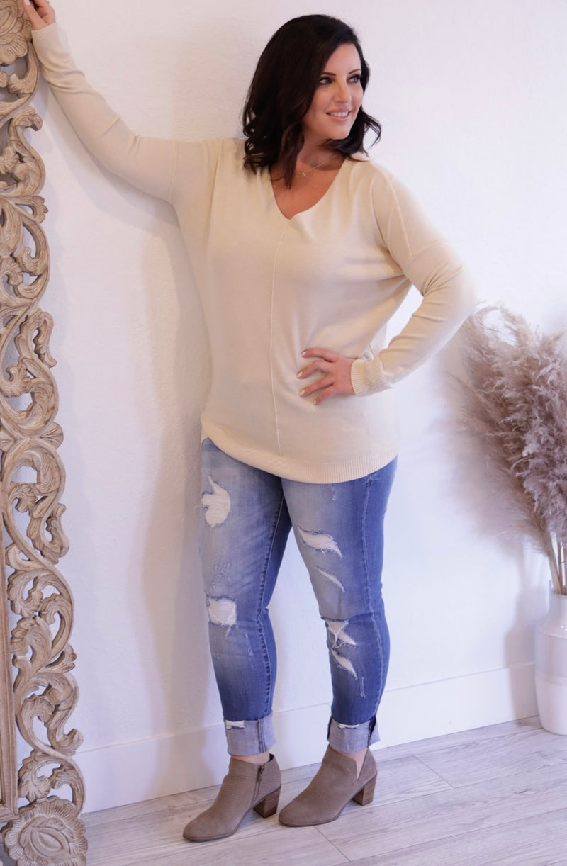 LONG V-NECK SWEATER WITH FRONT SEAM - POWDER BLUE & OATMEAL - RETAIL STORE