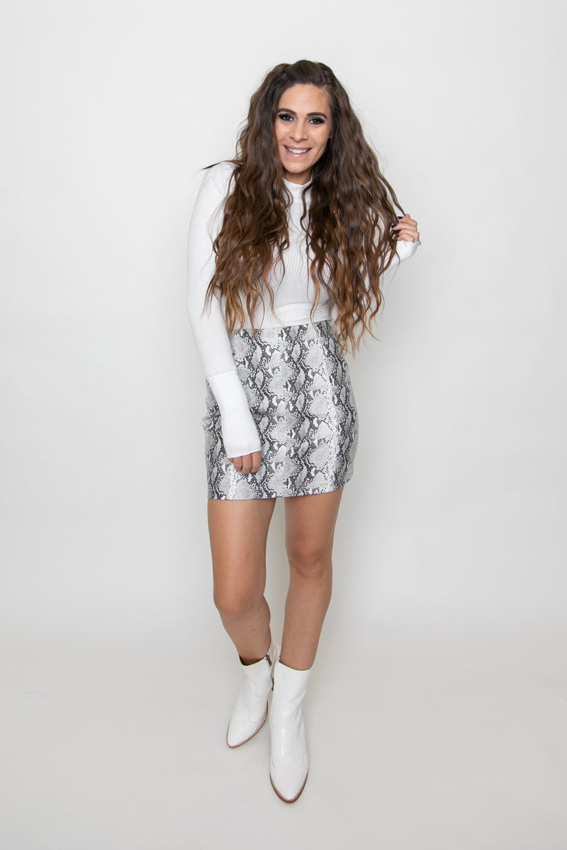 FAUX LEATHER SNAKESKIN SKIRT-WHITE/BLACK