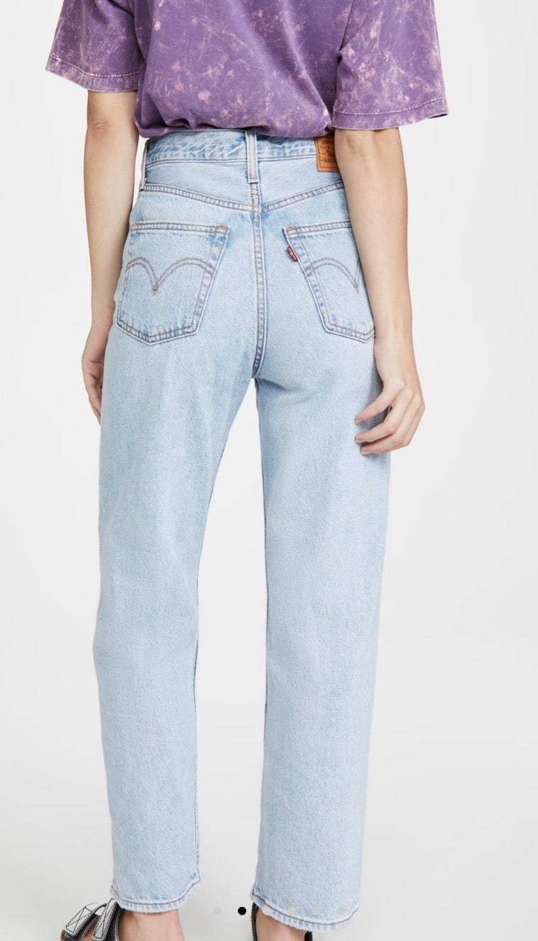 LEVI'S RIBCAGE STRAIGHT ANKLE JEANS - MEDIUM WASH - RETAIL STORE
