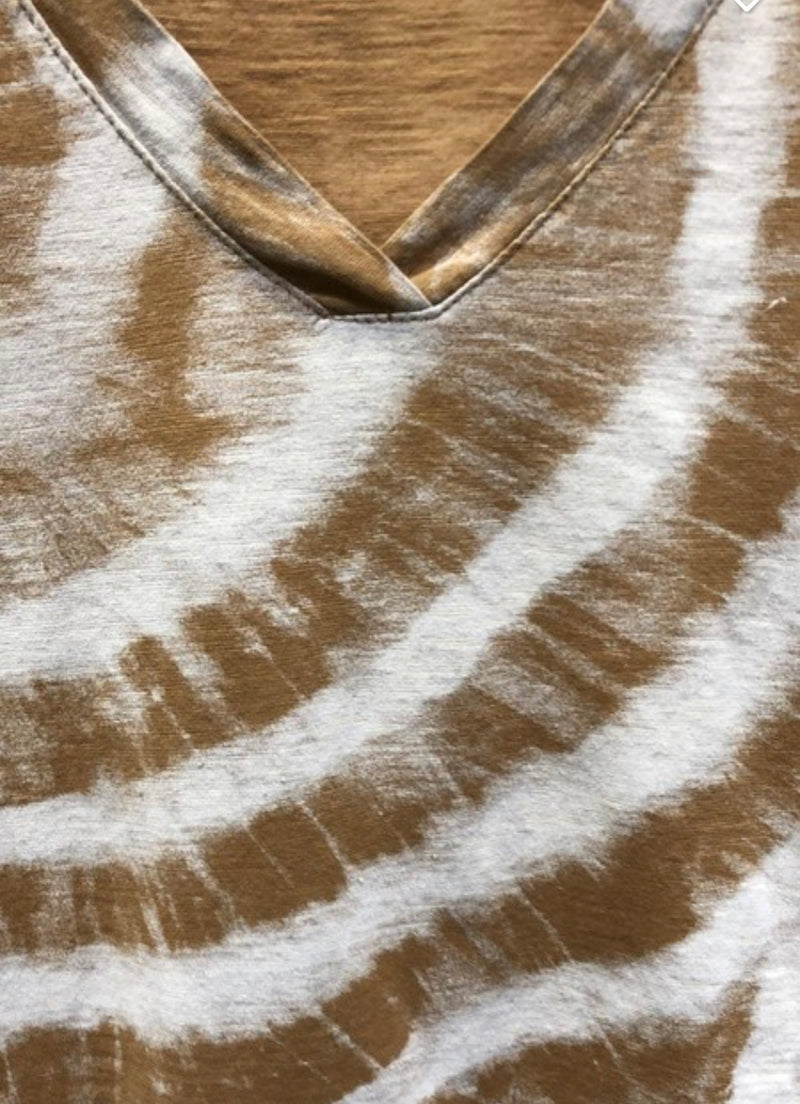 RING TIE DYE V-NECK SHORT SLEEVE TEE - CAMEL - RETAIL STORE