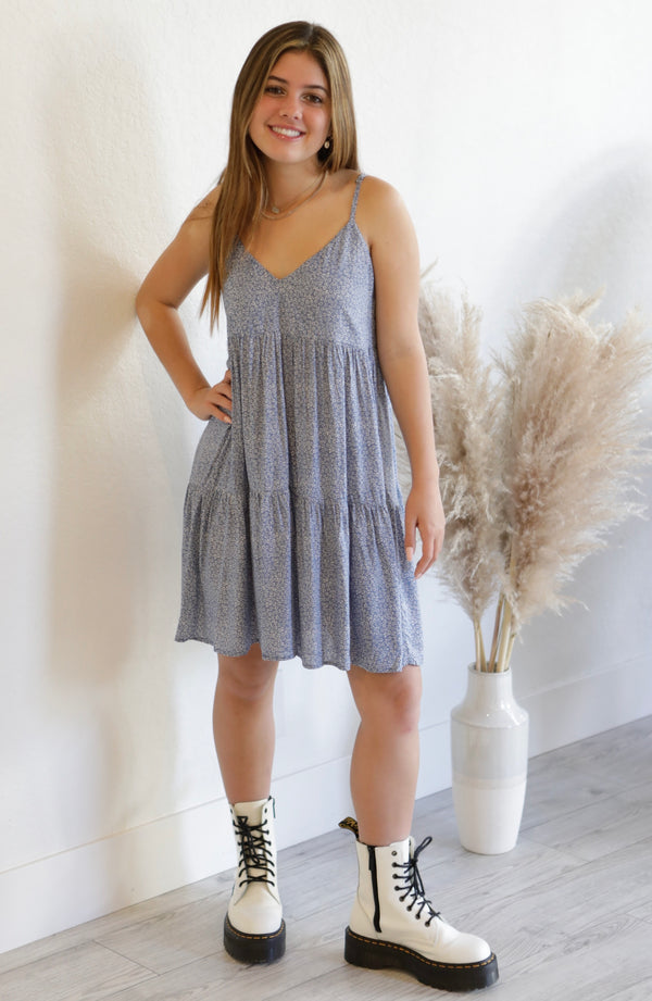 TIERED FLORAL SUNDRESS WITH POCKETS - DENIM/WHITE - RETAIL STORE