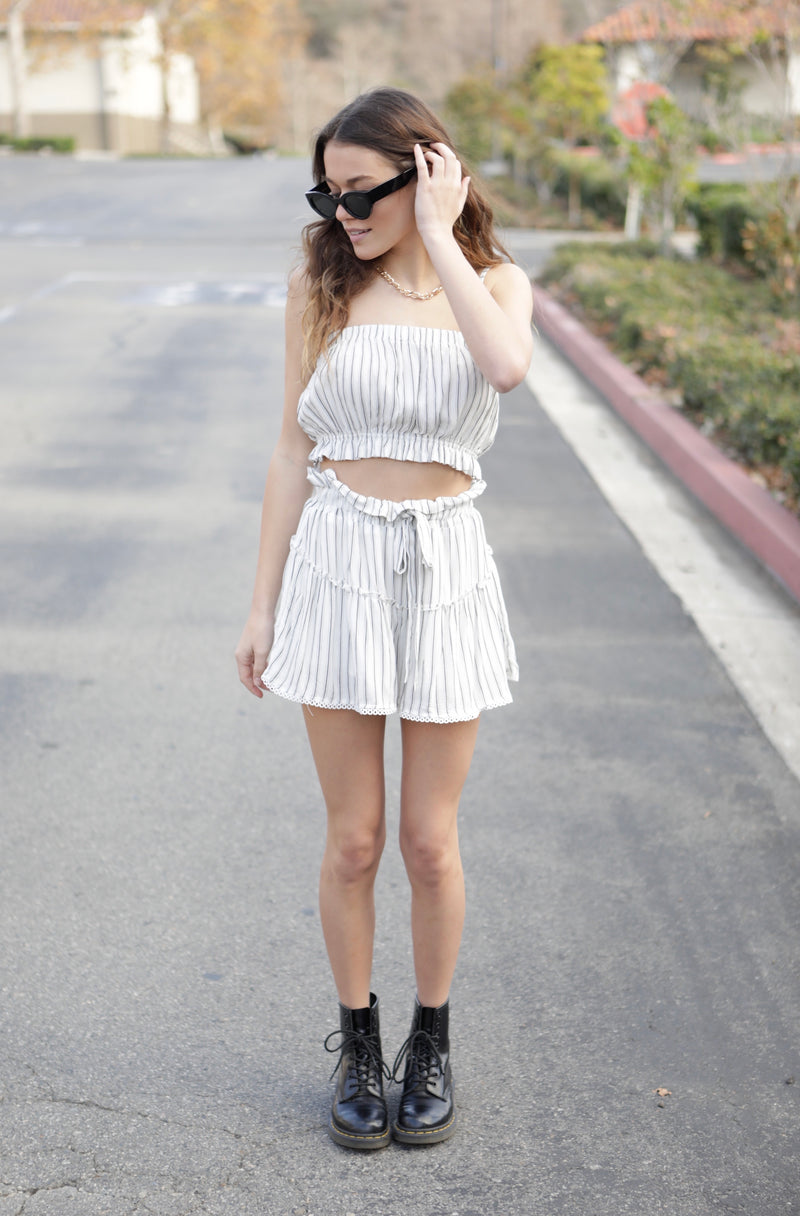 RUFFLE WAIST SHORTS WITH LACE HEM - WHITE - RETAIL STORE