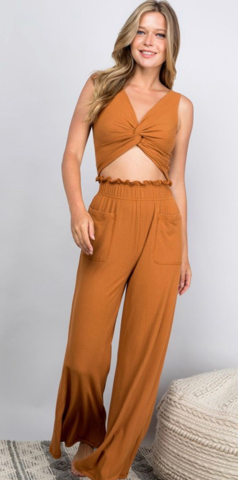 SLEEVELESS V-NECK KNOT CROP TOP -TOBACCO - RETAIL STORE