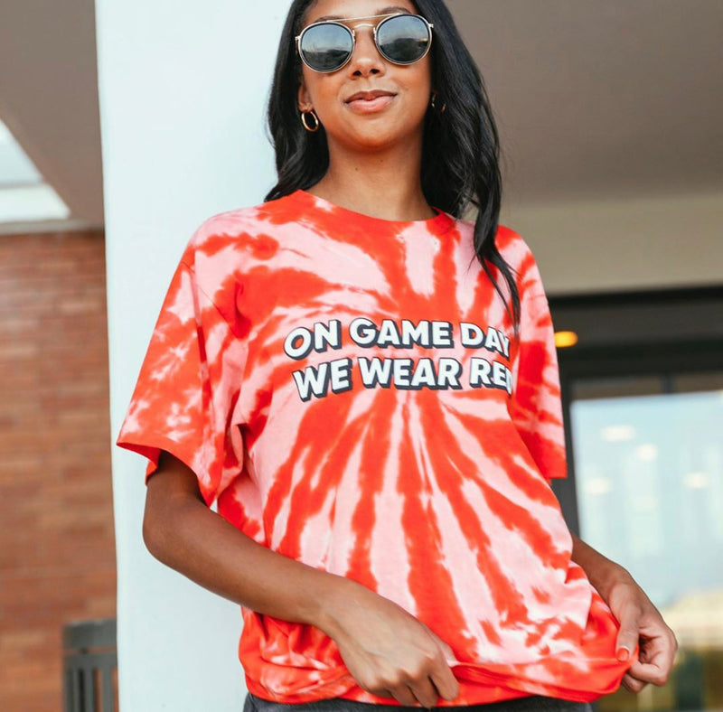 GAMEDAY TIE DIE TEE - RED - RETAIL STORE