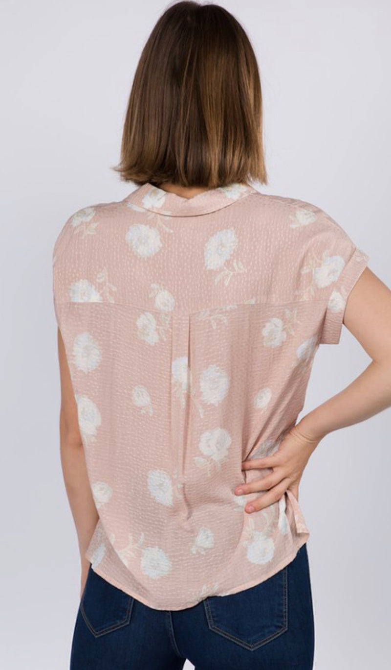 JACQUARD FLORAL ONE POCKET HALF SLEEVE BUTTON DOWN TOP - BLUSH