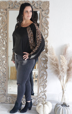 ANIMAL PRINT MIXED SOFT THERMAL HI-LOW TOP - BLACK - RETAIL STORE