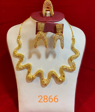 ANTIQUE STYLE LADIES FASHIONABLE PARTY NECKLACE SET - Maxim Creation