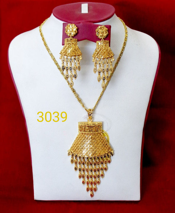 LIGHT WEIGHT WEDDING STYLE LADIES PENDANT CHAIN STYLE JEWELLERY SET - Maxim Creation