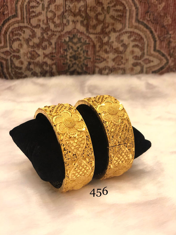 LATTICE PATTERN GOLD PLATED BRACELET BANGLES 456 - Maxim Creation