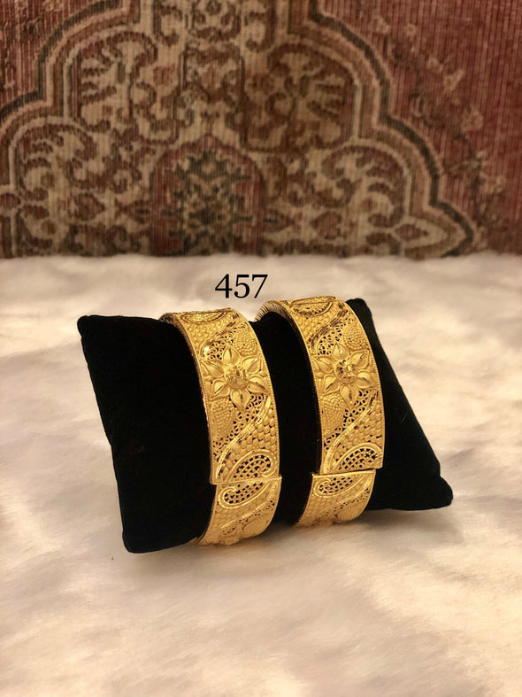 LATTICE PATTERN WITH FLOWER GOLD PLATED BRACELET BANGLES 457 - Maxim Creation