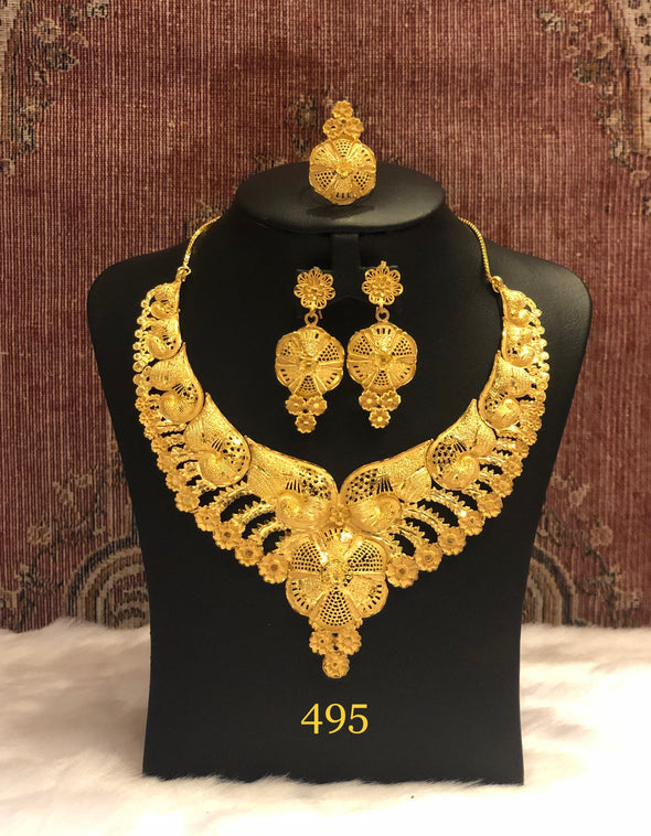 GOLD TONED STUDDED TRADITIONAL NECKLACE SET 495 - Maxim Creation
