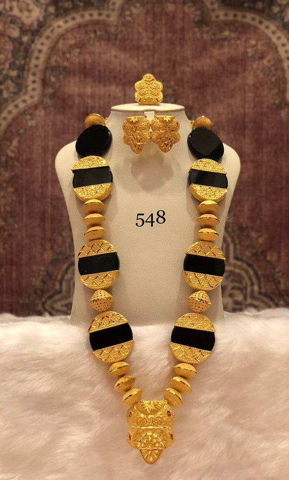TRADITIONAL INSPIRED SINGLE LAYERED NECKLACE SET 548