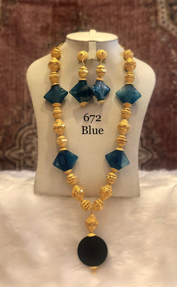 BLUE DIAMOND CRYSTAL WITH GOLD PLATED SHELL NECKLACE SET 672 - Maxim Creation
