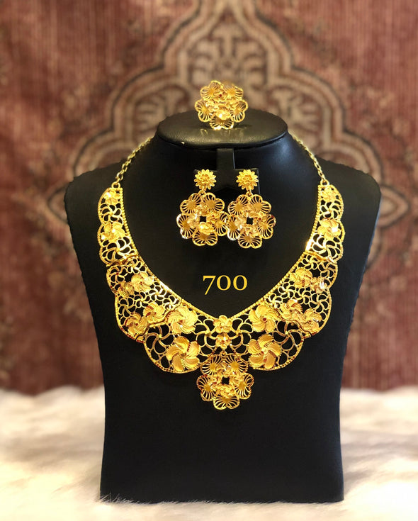 FLORAL CUT WORK LATTICE PATTERN NECKLACE SET FOR WOMEN 700 - Maxim Creation
