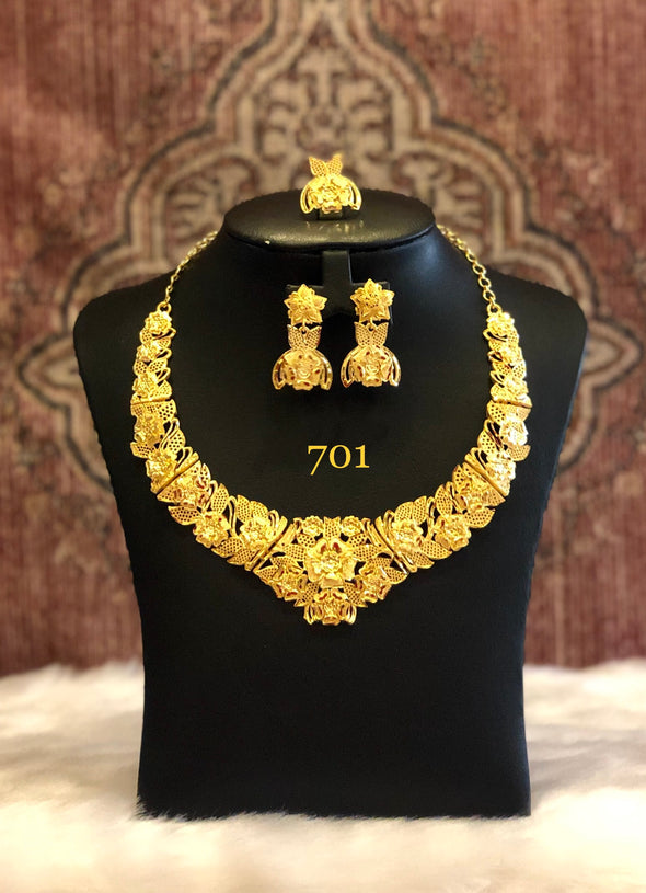 SINGLE STRING GOLD PLATED LEAF CUT WORK NECKLACE SET 701 - Maxim Creation