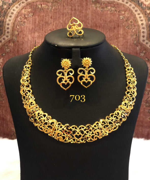 SINGLE STRING HEART SHAPE CUT WORK NECKLACE SET 703