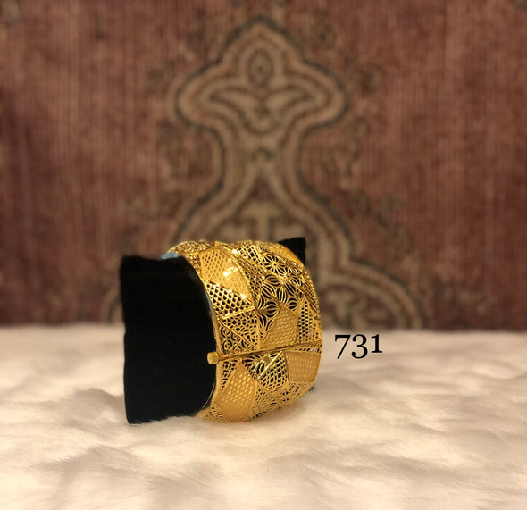 GOLDEN LATTICE DESIGN CUFF BANGLE 731 - Maxim Creation