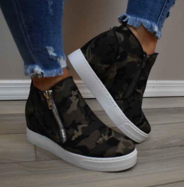 🎉SALE🎉 Can't See Em Wedge Sneakers