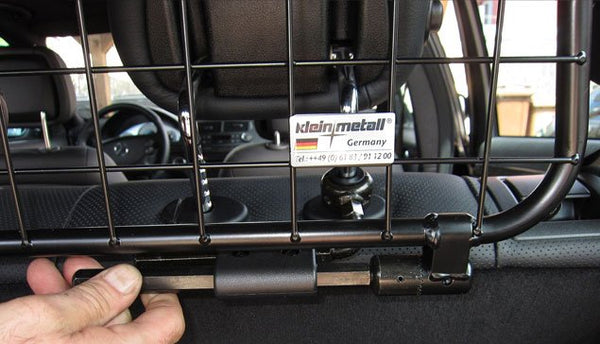 KleinMetal Universal Traffic Guard Vehicle/Car Barrier for Pets installation Image
