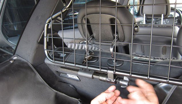 KleinMetall Universal Traffic Guard Vehicle/Car Barrier for Pets installation Image