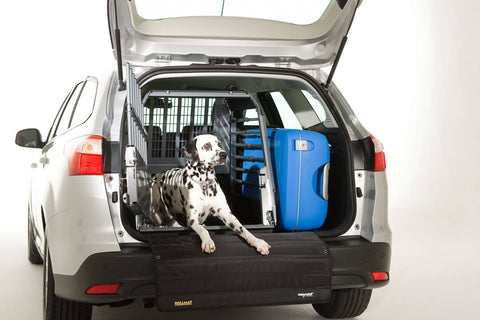 MIM Safe Variocage Single Dog in use Car Crash Tested Travel Cage