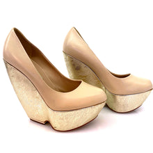 Load image into Gallery viewer, Nicholas Kirkwood Beige Lace Gold Wedges