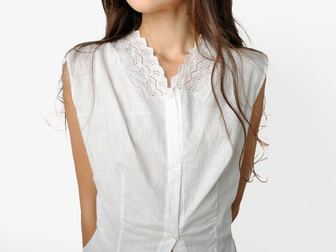 Vintage White Cotton Top with Lace Collar