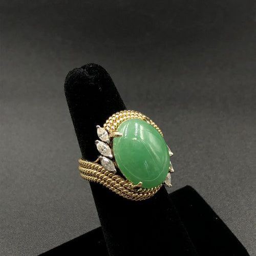 13ct Green Jadeite Vintage Custom 18kt Gold Ring. .90ct VVS-VS Diamonds G-H Color.