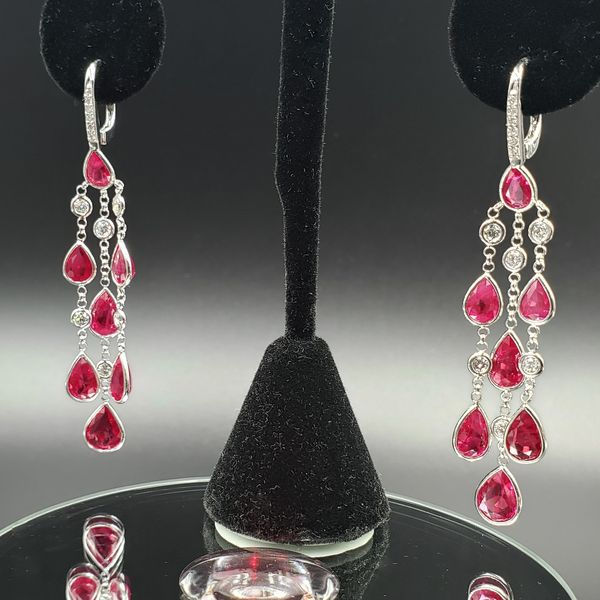 ce2b2fb7c ... Load image into Gallery viewer, Very Rare 15.5twct GIA Certified  Burmese Ruby Chandelier Earrings ...