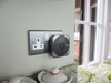 Unicom Plug-in door chime with kinetic bell push – black