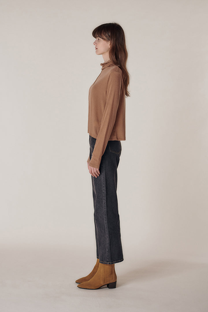 Semi flare tourtleneck top