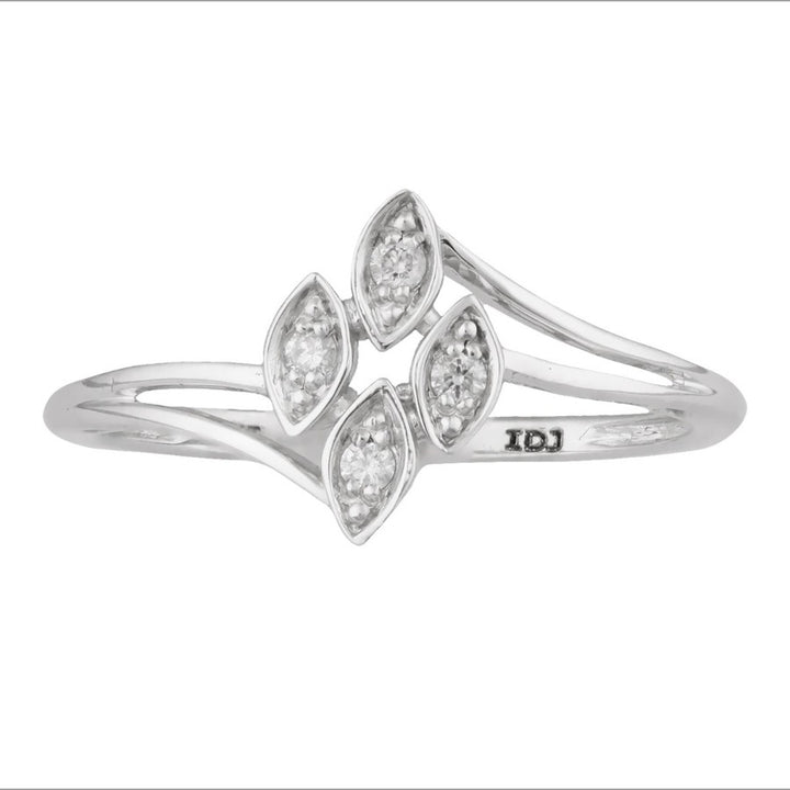 10KT WHITE GOLD MARQUISE SHAPED DIAMOND RING
