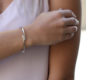 10kt White And Yellow Gold 0.50cttw Diamond Bangle