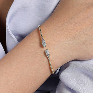 14kt Yellow Gold Diamond Bangle