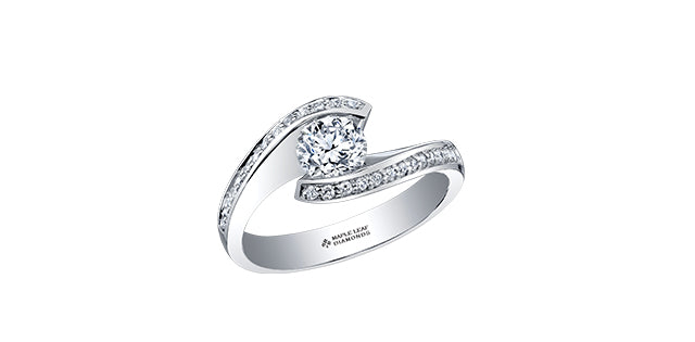 18kt White Gold 0.45cttw Engagement Ring with Round Canadian Center Diamond