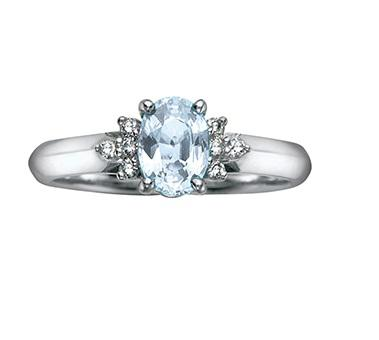 10kt White Gold Aquamarine and Diamonds Oval Ring