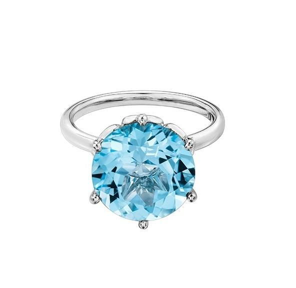 10kt White Gold Blue Topaz Ring