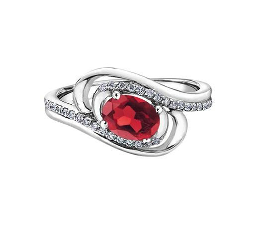 10kt White Gold 0.132cttw Diamond and Ruby Ring