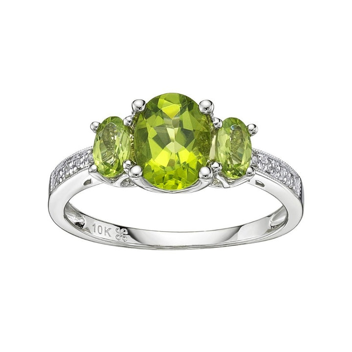 10kt White Gold Peridot Ring