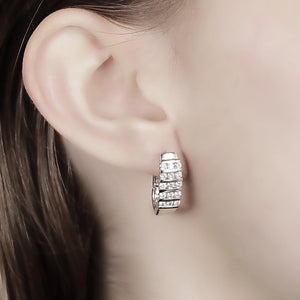 10KT WHITE GOLD 1.00CTTW DIAMOND EARRINGS