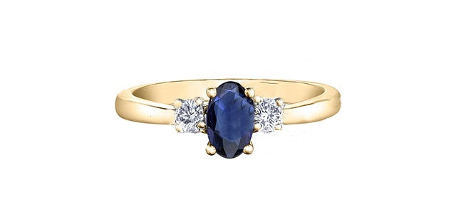18kt Gold Sapphire and Canadian Diamonds Ring