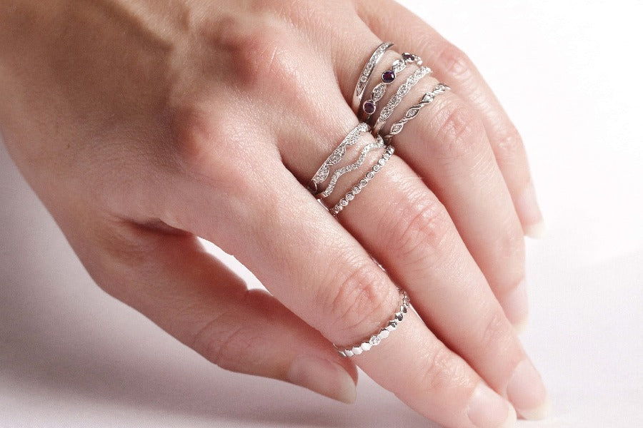 10KT WHITE GOLD DIAMOND STACKABLE RING