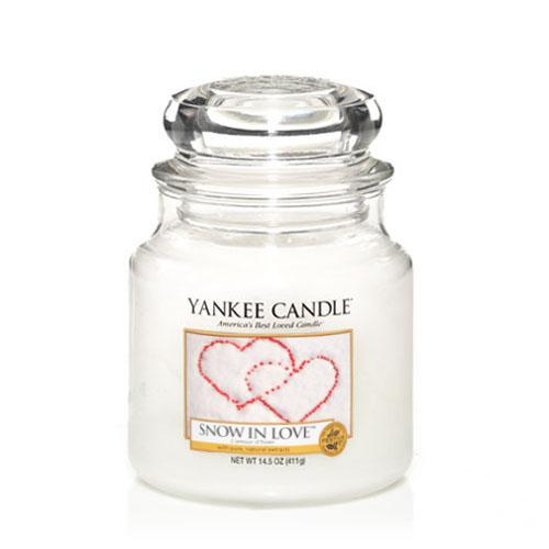 Yankee Candle Snow In Love Medium Jar - TOSYS Candles and Gifts