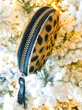 Load image into Gallery viewer, Leopard Print Hyde Zipper Coin Pouch