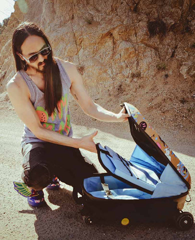 Steve Aoki Opening Luggage Scooter