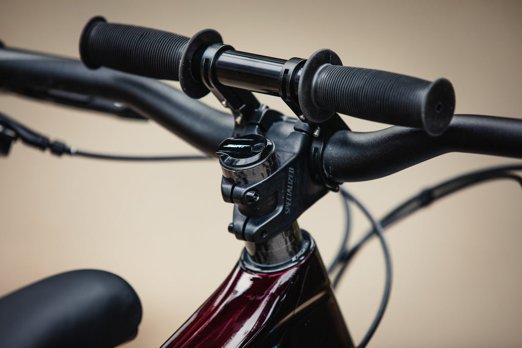 Specialized Enduro Shotgun Bars Close