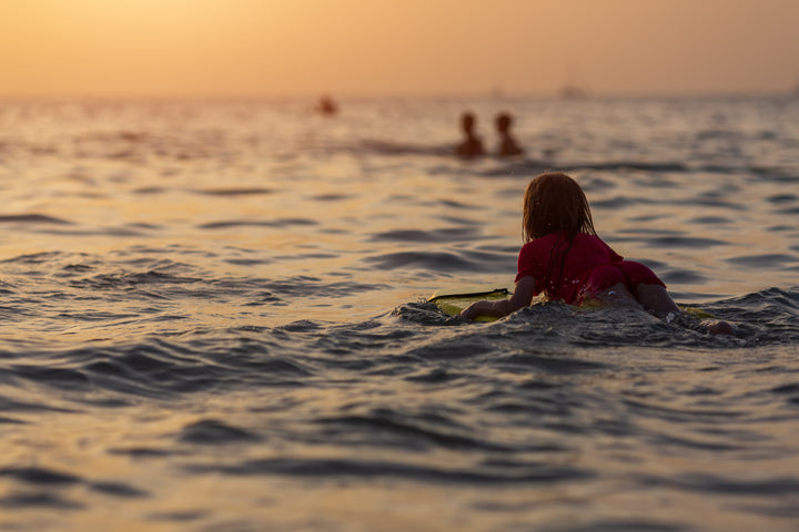 The best activities to initiate your kids to water sports